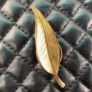 Vintage Gold Feather Retro Scarf Clip